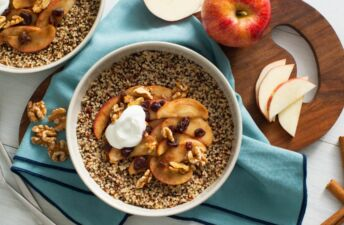 breakfast-bowl-with-quinoa-apple-walnuts-and-cinnamon