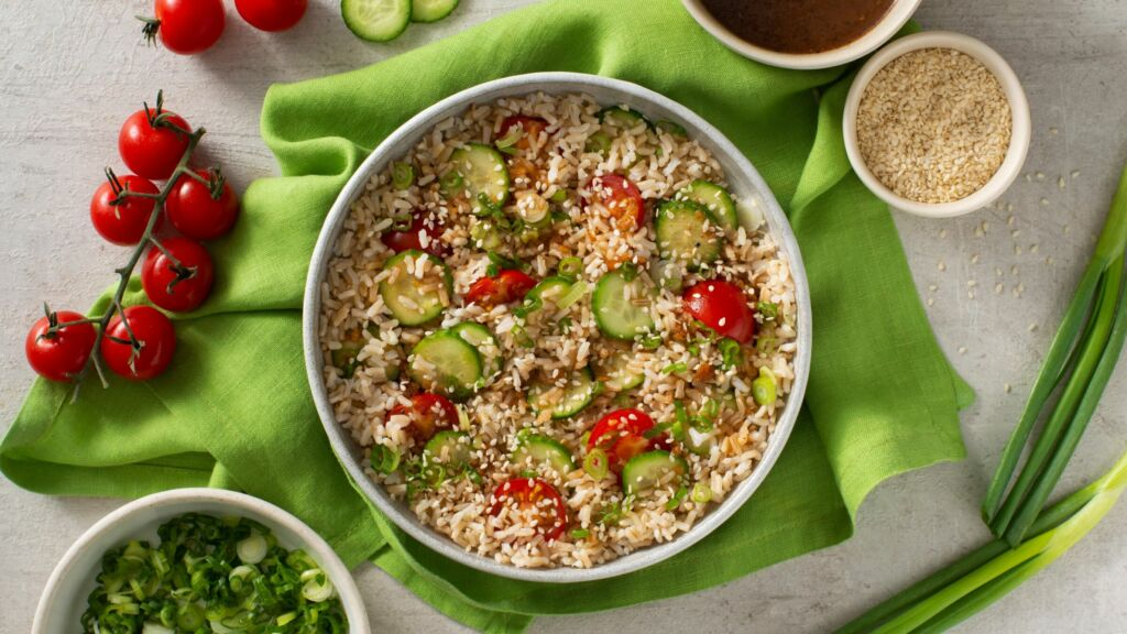 garden-rice-salad-with-brown-rice-tomatoes-and-cucumber