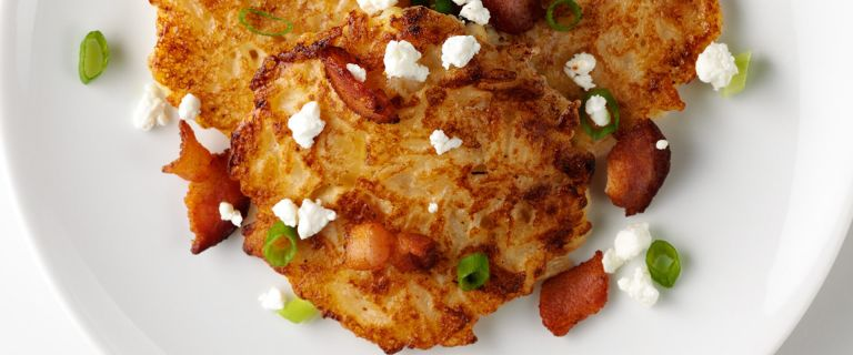 Rice Cakes with Goat Cheese and Bacon