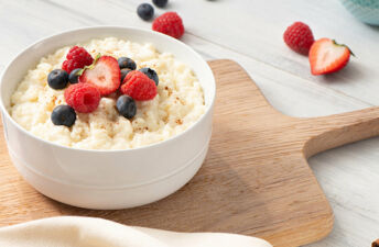 Speedy Rice Pudding topped with Berries
