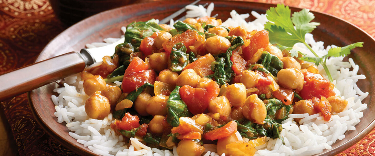 Vegetarian Curry with Spinach, Tomato and Chickpeas