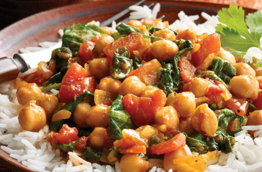 Vegetarian Curry with Spinach, Tomato and Chick Peas