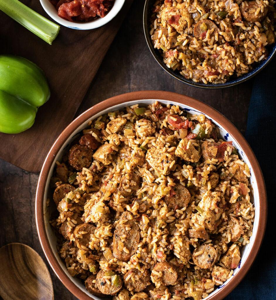chicken-and-sausage-jambalaya-with-white-rice