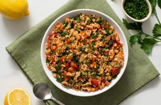 vegetarian-jambalaya-with-black-eyed-peas-tomatoes-kale-and-cajun-seasoning