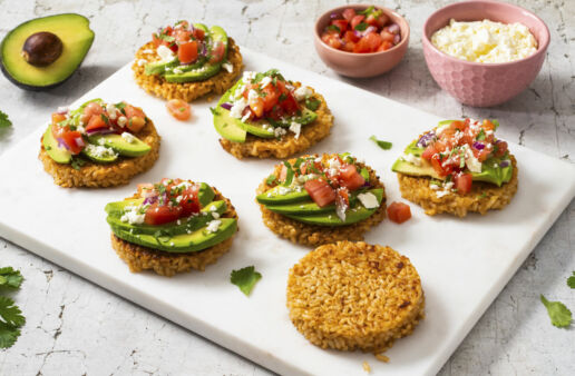 avocado-toast-whole-grain-rice-cakes-with-brown-rice-topped-with-pico-de-gallo-and-feta-cheese