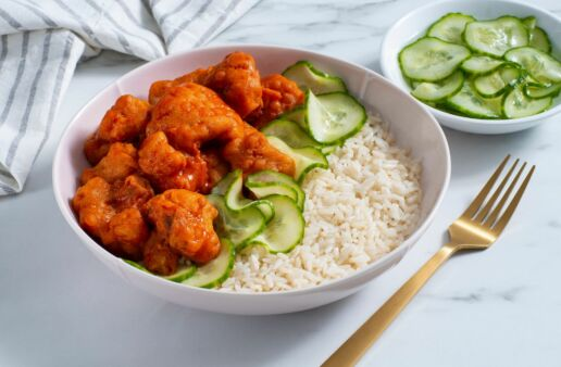 vegetarian-rice-bowl-with-nashville-style-cauliflower-and-cucumber