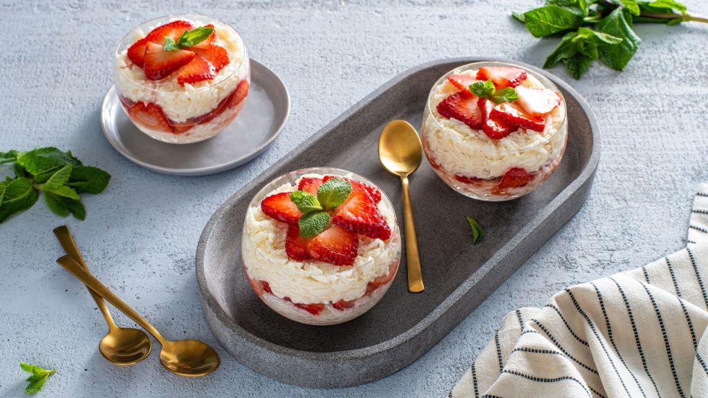 strawberry-shortcake-rice-pudding-parfaits-with-basmati-rice