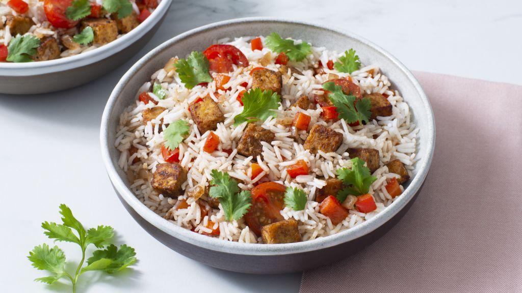 rice-bowl-with-tempeh-basmati-rice-cherry-tomatoes-and-jerk-seasoning