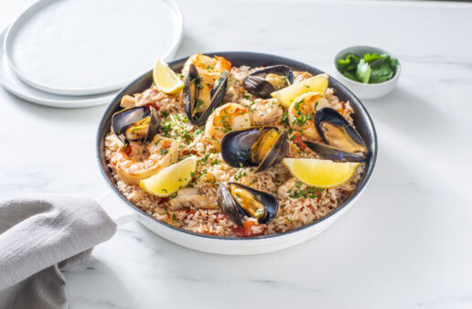 spanish-seafood-paella-with-chicken-mussels-and-shrimp