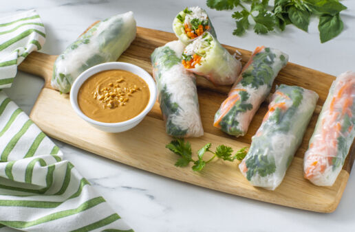 vietnamese-fresh-spring-rolls-with-basmati-rice-and-peanut-sauce